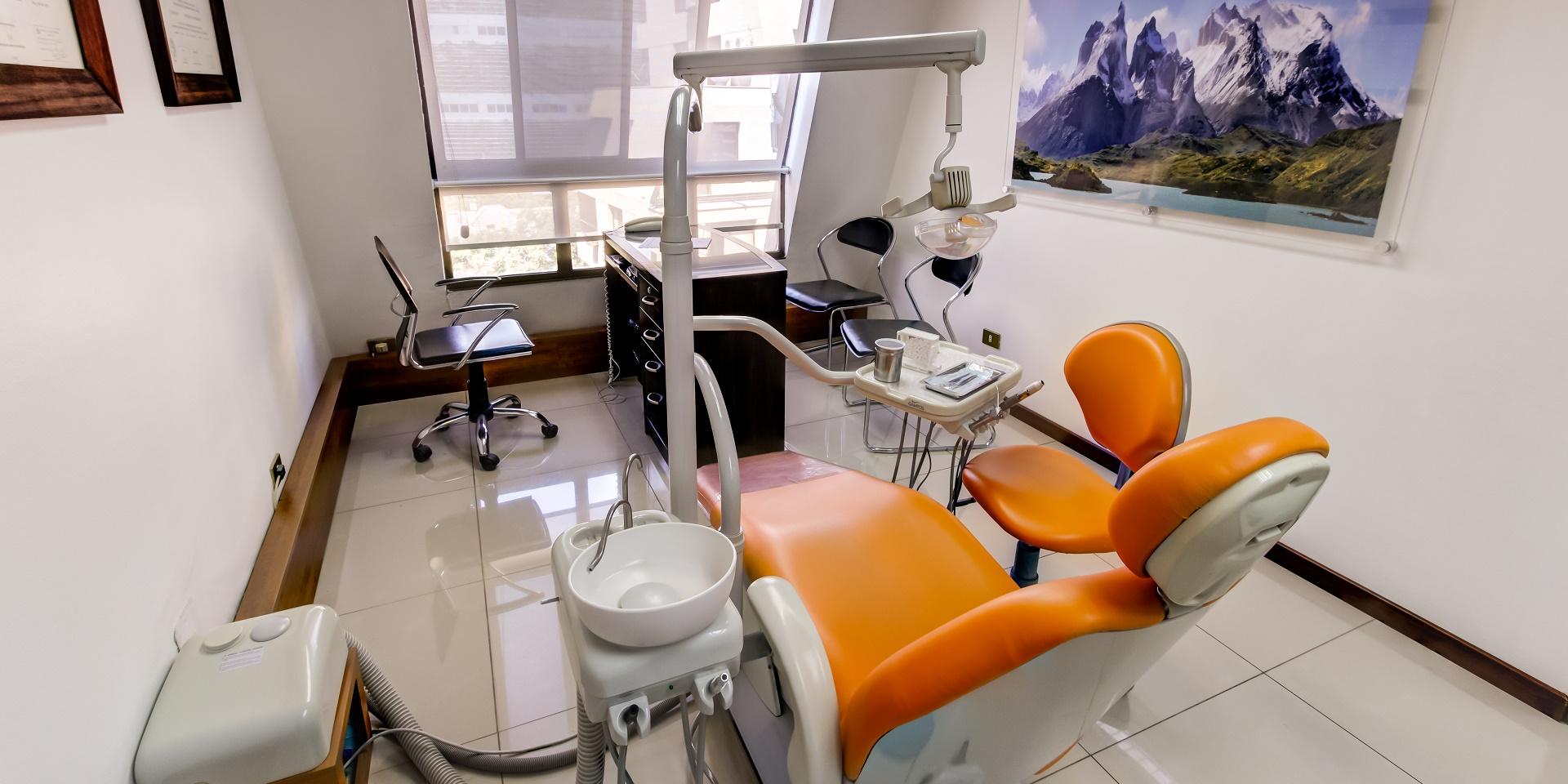 Implantes dentales santiago